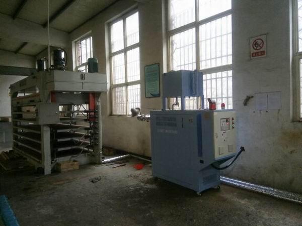 门业压机使用电加热导热油炉